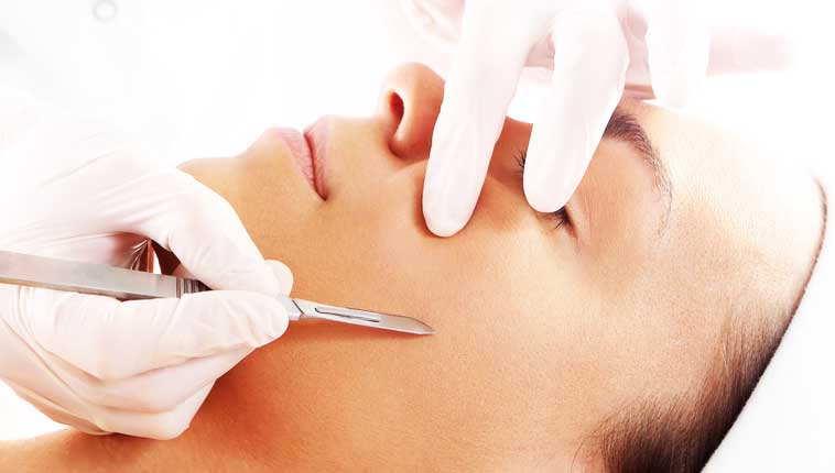 DERMAPLANING | So they're taking a scalpel… to my face?!